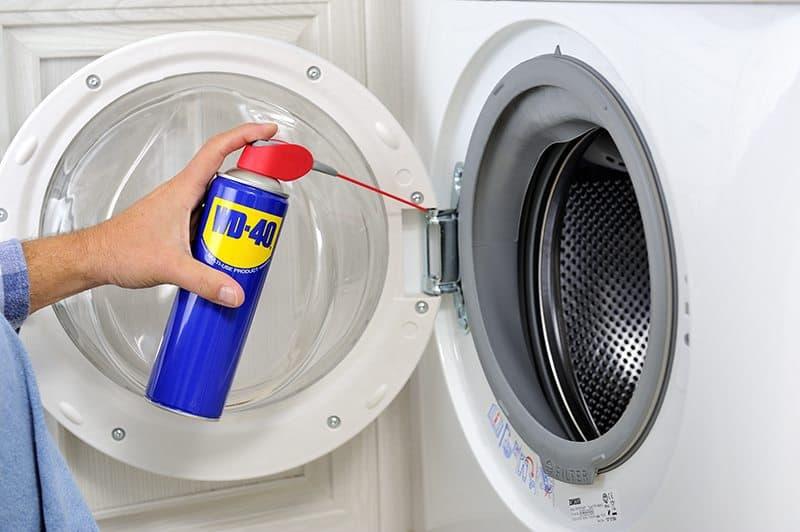 Como limpar a casa de banho com WD-40