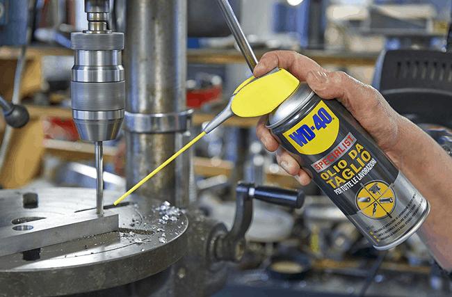 WD-40 Specialist Óleo de Corte: impedir produção de pedaços de alumínio